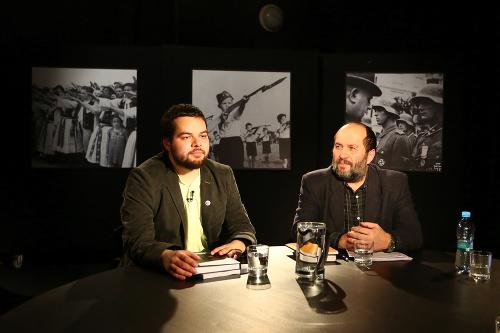 (Zľava) Historici Anton Hruboň