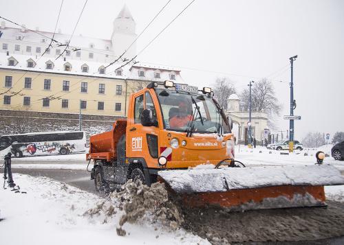 Snežný pluh na Mudroňovej