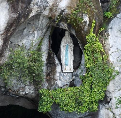 Zázračné uzdravenie v Lurdách:
