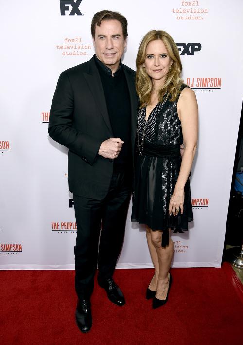 John Travolta s manželkou