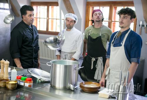 Zábery zo seriálu Kuchyňa