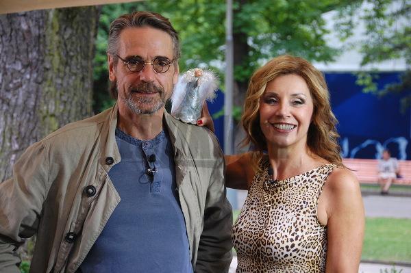 Jeremy Irons a Alena