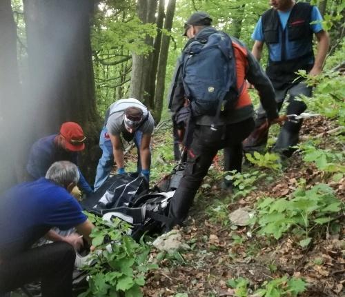 Záchranári HZS transportujú telesné