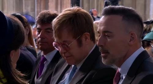 Na kráľovskej svadbe nechýba