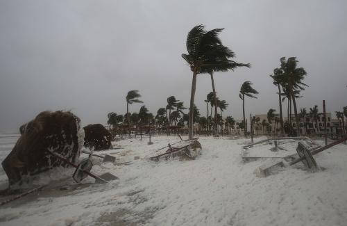 Silný cyklón Mekunu zasiahol