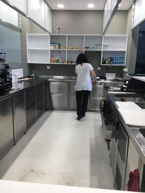 Zrekonštruovaná kuchyňa bufetu.