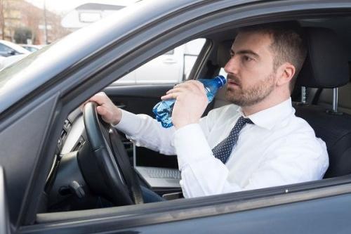 Ste dehydrovaní a šoférujete?