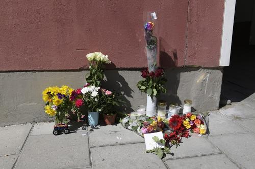 Kvety sú položené na