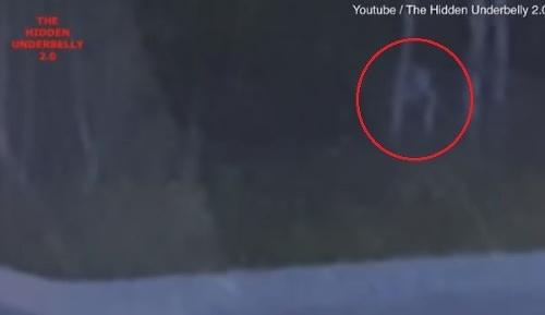 VIDEO Žena prechádzala okolo