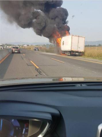 FOTO Požiar na diaľnici