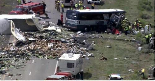 Zrážka autobusu a nákladného