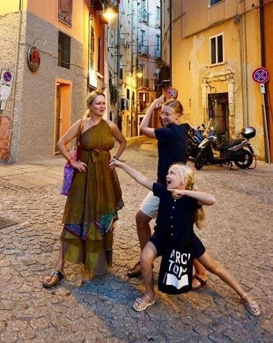 Michaela Čobejová s dcérami