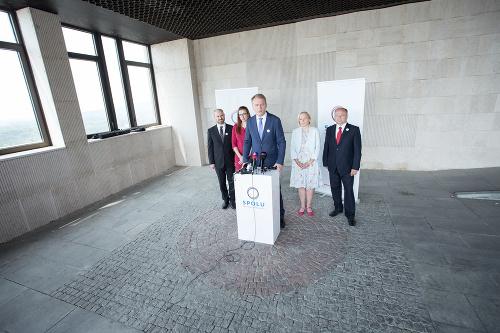 Členovia strany SPOLU: (Zľava)
