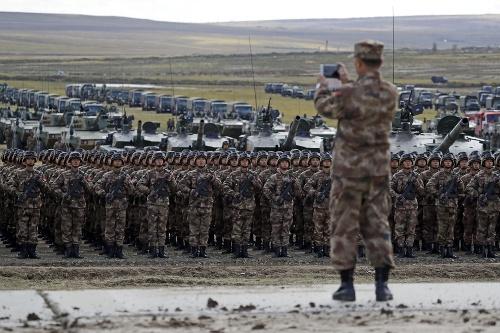 Ruskí vojaci počas cvičenia