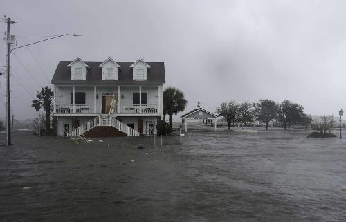 Ničivý hurikán Florence.
