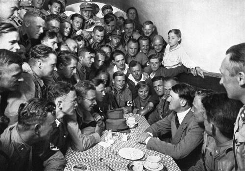 Prasynovec Adolfa Hitlera prelomil
