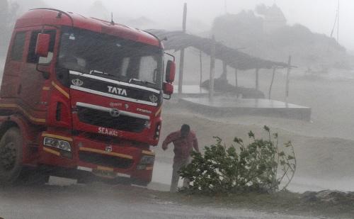 Tropický cyklón zasiahol Indiu.