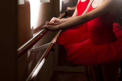 Učiteľ tanca sa pred