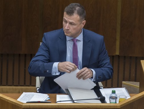 Gábor Gál počas zasadnutia.