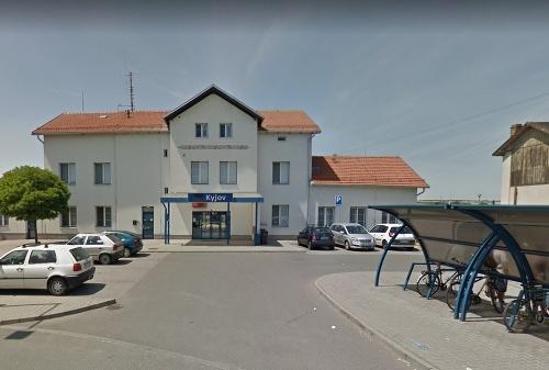"Kyjov train station ""id ="" 2284257 ""border ="" 0 ""style ="" width: 454px;"