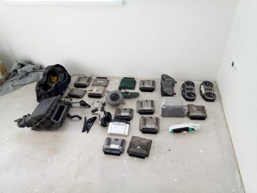 Policajti vykonávali domové prehliadky
