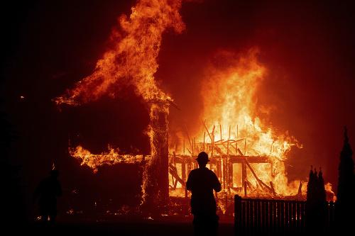 Ničivý požiar v Kalifornii.