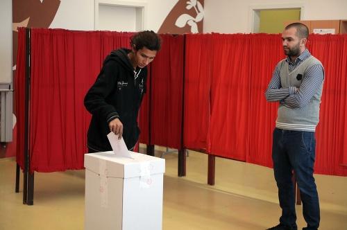 Prvý volebný incident v
