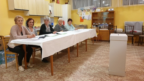 Volebná komisia v okrsku