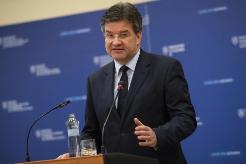 Minister zahraničných vecí Miroslav