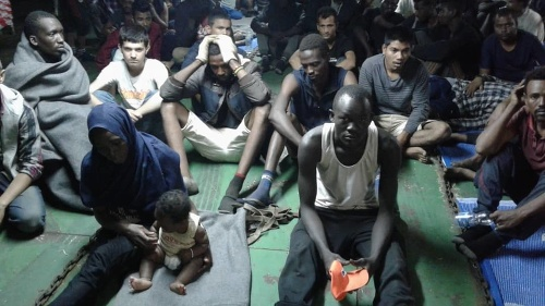 Migranti blokujú výstup z
