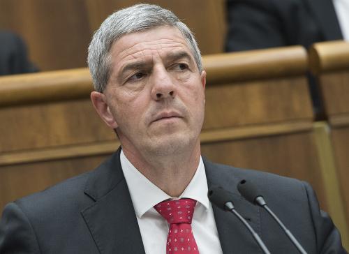 Predseda strany MOST-Híd Béla