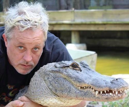 VIDEO Chovateľ aligátorov chcel