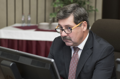 Na snímke štátny tajomník