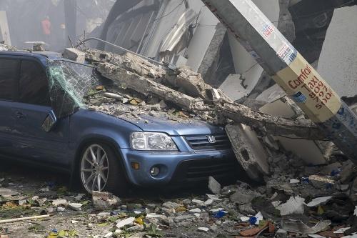 FOTO Explózia továrne v