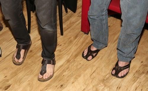 Po ponožkách v sandáloch