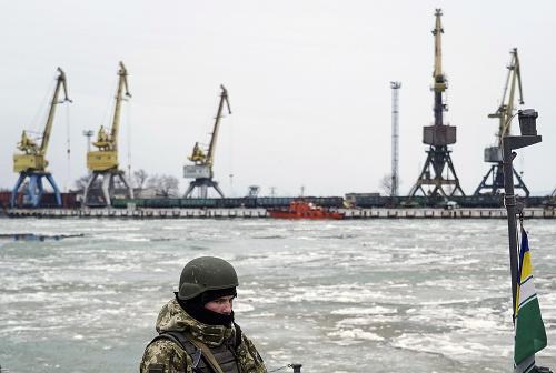 Ukrajinský vojak v prístave