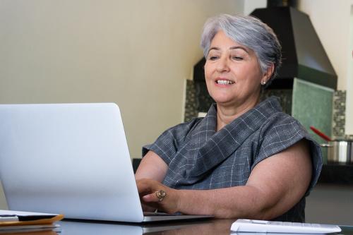 Žena v dôchodkovom veku.