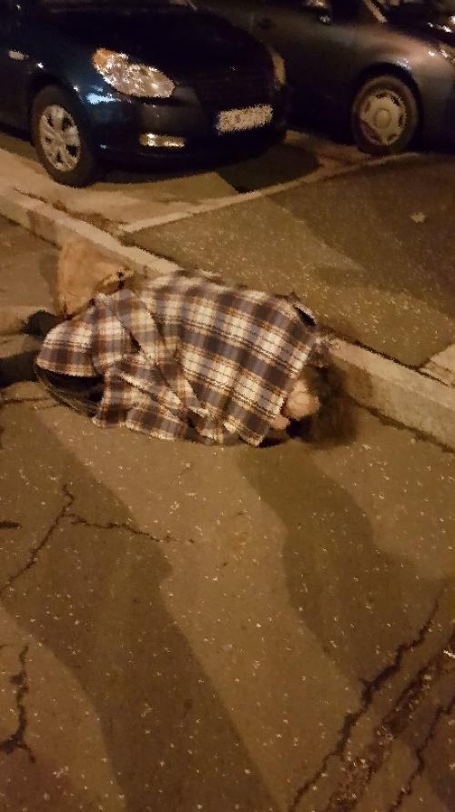 Podchladený muž v Petržalke.