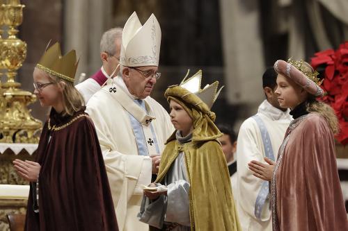Pápež František počas omše.