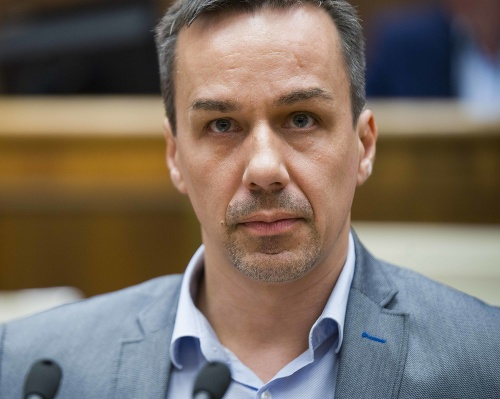 Poslanec Erik Tomáš.