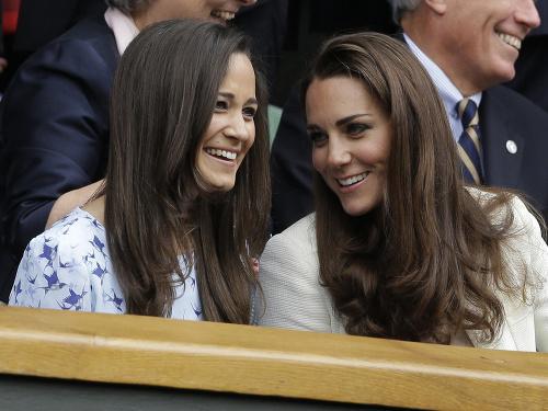 Vojvodkyňa Kate so sestrou