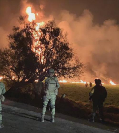 Mexikom otriasol výbuch ropovodu.