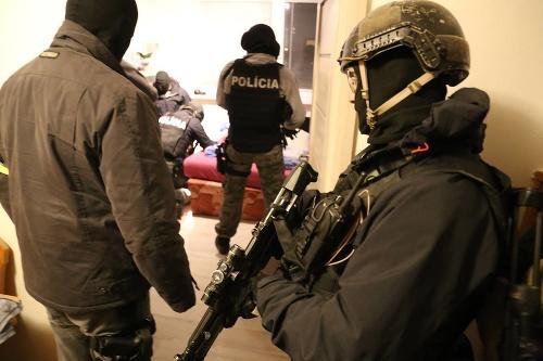 NAKA zatýka na západe