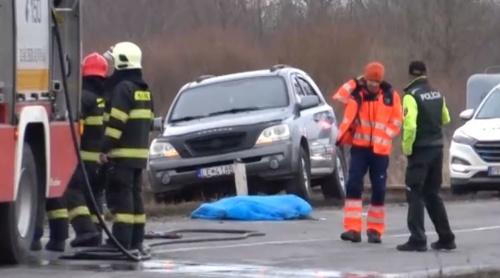 Vodič narazil autom do