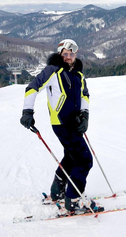 Módny návrhár preferuje lyže,