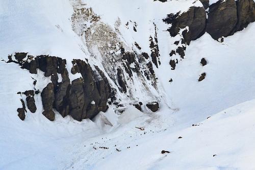 Tragický pád lavíny vo