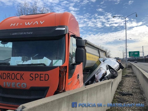 Nehoda na D2.