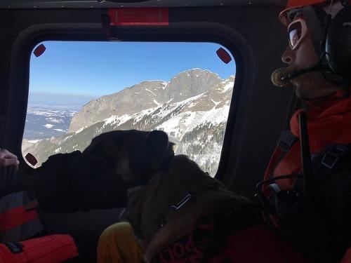 Tragický pád lavíny v