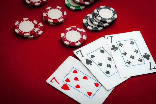 Boj proti hazardu naberá