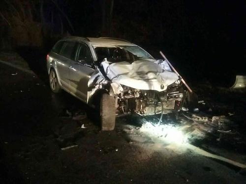 Čelná zrážka dvoch vozidiel